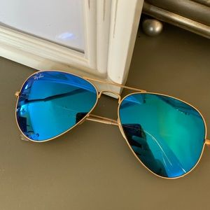Ray Ban Aviator sunglasses with blue lens
